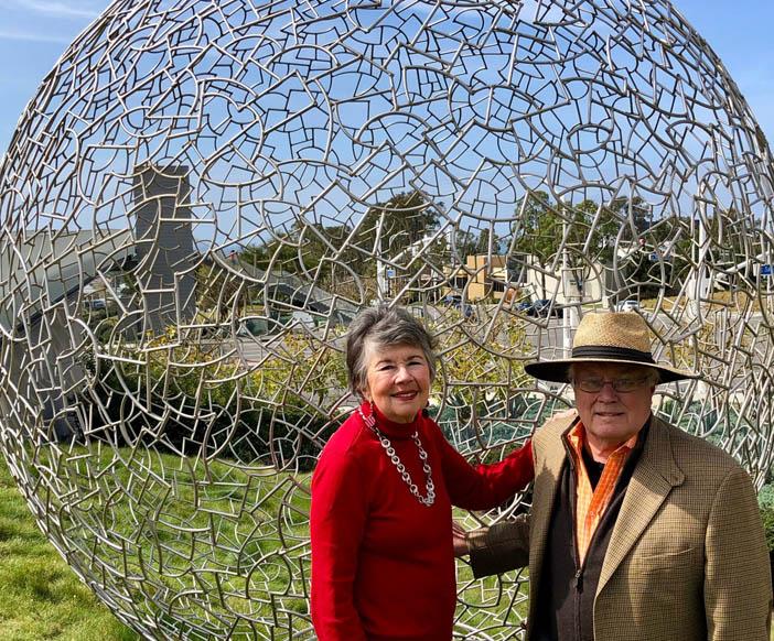 Newport Beach Arts Foundation Thanks Carmen and Robert Smith For Their Community Impact